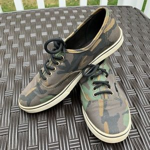Camo Authentic Lo Pro Vans